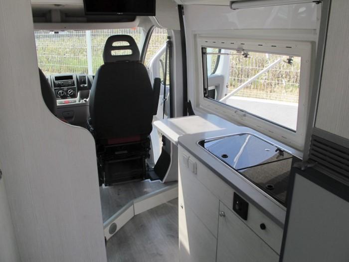 camper-furgocamper-automotive-automotivate-grupautomotive-ocasion-garantizadas-furgoneta-furgon-coches-segundamano-vehiculosocasion-barcelona-benicarlo-14