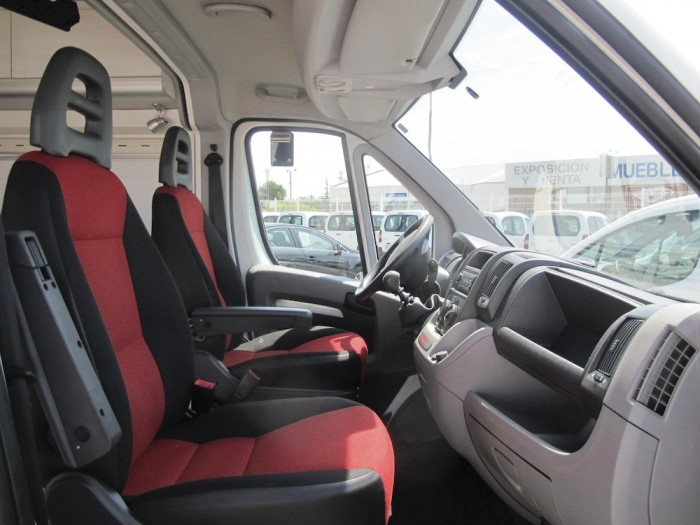 camper-furgocamper-automotive-automotivate-grupautomotive-ocasion-garantizadas-furgoneta-furgon-coches-segundamano-vehiculosocasion-barcelona-benicarlo-21